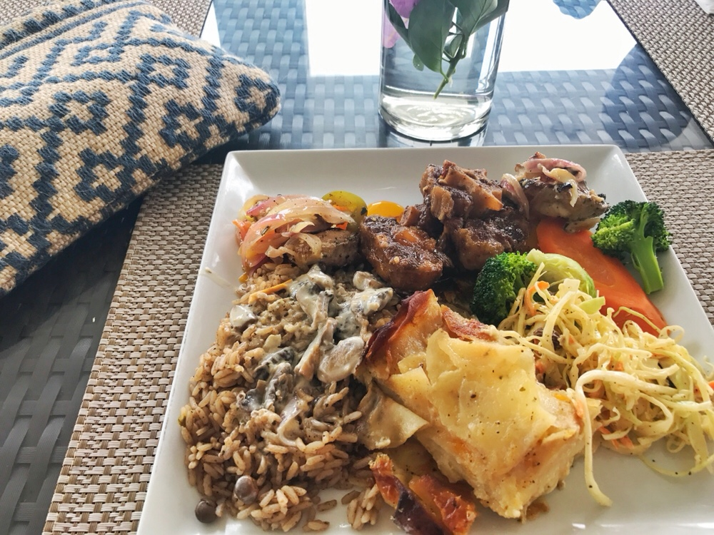 Sundays at Flavours Restaurant: Caribbean Buffet Food Review